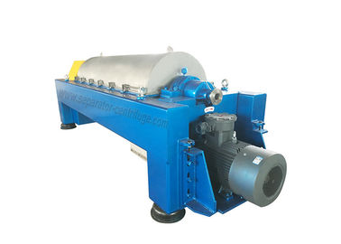 China Continuous Spiral Crude Oil Filtering Decanter Centrifuges For Sludge Treatment factory